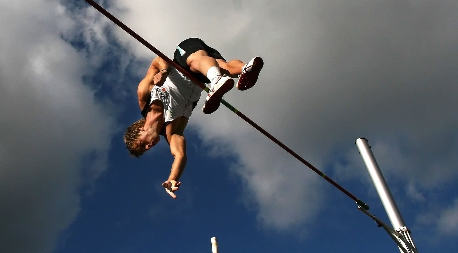 How to Pole Vault
